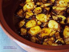Pulpo al ajillo Receta Petitchef Güveç yemekleri How To Cook Octopus, Spanish Kitchen, Barbacoa, Kung Pao Chicken, Deli, Catering, Seafood, Good Food, Food And Drink