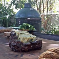 All in one braai, pizza oven, smoker, slow cooker. The Ultimate Cooking Experience Green Eggs, Slow Cooker, Steak, Big, Cooking, Recipes, Kitchen, Recipies, Steaks