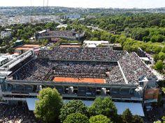 Les tennismans à Rolland-GarrosHabitué des grandes compétitions, le complexe sportif de Rolland Garros n'aura besoin que de travauxmineurs pour accueillir les JO.