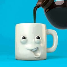 GET GEETEREDon coffee(ref:Tazas creativas) Tarazana! This is disgusting! I Love Coffee, Coffee Art, Coffee Break, My Coffee, Coffee Cups, Morning Coffee, Sweet Coffee, Pause Café, Funny Cups