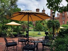 Tons of new shaded tables and chairs in the @SIGardens Haupt Garden behind the Castle! #newlunchspot