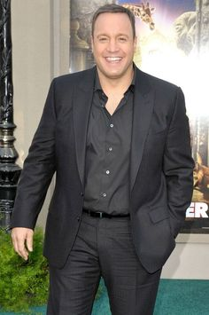 Kevin James- what an adorable man.he is like a sexy teddy bear Outfits For Big Men, Big And Tall Outfits, Plus Size Men, Moda Plus Size, Big Man Suits, Xl Models, Big And Tall Style, Kevin James, Christmas Party Outfits