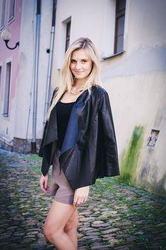 http://www.fashionplace.cz/e-shop/product/354-damske-kozenkove-sako-72014001
