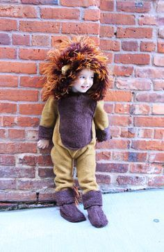 Easy no sew kids lion halloween costume pinterest lion halloween diy lion costume for a toddler life is made with katie miles www solutioingenieria Image collections