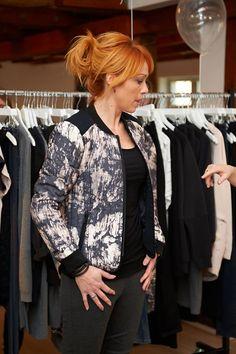 Kick Off i Kolding. Ulla her i et basic sæt med Carina ls tee og Action leggings som i denne sæson er med i grå og som altid i den sorte. Udover har hun Fia jacket i den flotte print.