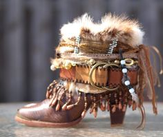 Upcycled boho cowboy boots from TheLookFactory on Etsy Hippie Boots, Gypsy Boots, Boho Boots, Cowboy Boot Crafts, Botas Boho, Over Boots, Boot Jewelry, Boot Bling, Funky Outfits