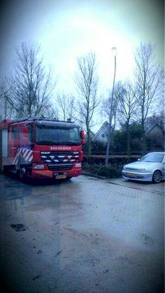 Mijn auto en vrachtwagen van de brandweer <3