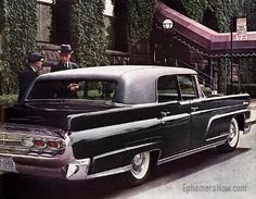 The Lincoln Town Car is the ultimate in American Luxury cars. Offering prestige, elegance and luxurious comfort, the Lincoln Town Car is an American classic. Retro Cars, Vintage Cars, Antique Cars, Ford Motor Company, Lincoln Town Car, Ford Lincoln Mercury, Lincoln Continental, Us Cars, Car Pictures