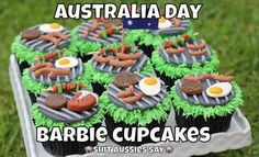 x Barbie Cupcakes, Mini Cupcakes, Aus Day, Happy Australia Day, Cake Decorating Icing, Candy Recipes, Food Porn, Treats, Desserts