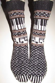 Ravelry: Musica: The Socks 2014 pattern by Deborah Tomasello Crochet Socks, Knitting Socks, Hand Knitting, Knit Crochet, Knitting Patterns, Crochet Patterns, Aran Weight Yarn, Knit Stockings, Stocking Pattern