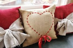 Valentine Pillow ♥ Tutorial + Free Printable ♥ The Pillow is sooo easy to do! ♥ Use this technique for a Monogram, or Pumkin, or ...