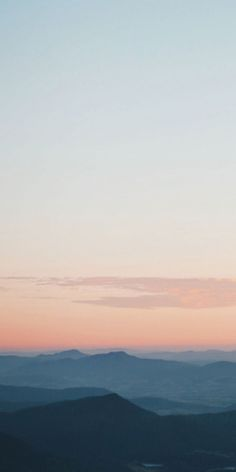 Dreamy sky palette from the top of Mount Wellington - by helloemilie on IG Drea. Dreamy sky palette from the top of Mount Wellington – by helloemilie on IG Dreamy sky palette fr Scenic Photography, Landscape Photography, Nature Photography, Phone Backgrounds, Wallpaper Backgrounds, Wallpaper Iphone Cute, Minimalist Wallpaper, Nature Wallpaper, Watercolor Landscape