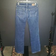 American Eagle Jeans These are American Eagle Jeans.  They are size 2 long with a length of about 31.  The style is slim boot stretch.  They are in good condition with no fray.  Nice jeans American Eagle Outfitters Jeans Boot Cut