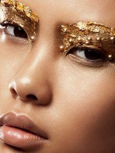 Gold leaf makeup beauty make-up, makeup art, makeup ideas, makeup designs Beauty Make-up, Beauty Shoot, Make Up Looks, Looks Cool, Rave Music, Goddess Makeup, Close Up Faces, Make Up Gold, Festival Makeup Glitter