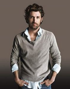Patrick Dempsey (born January is an American actor who first gained Hollywood fame in the late He's most known for his role as neurosurgeon Dr. Derek Shepherd on the medical drama Grey's Anatomy. See more about Patrick Dempsey here. Basic Fashion, Look Fashion, Mens Fashion, Fashion Menswear, Winter Fashion, Pretty People, Beautiful People, A Well Traveled Woman, Herren Outfit