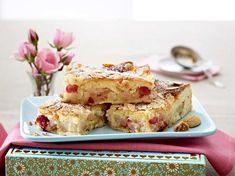 Gedeckter Quitten-Kuchen mit Amarettini