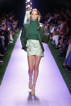 Fashion 2020, Runway Fashion, Fashion Models, Spring Fashion, High Fashion, Fashion Show, Autumn Fashion, Fashion Outfits, Fashion Trends