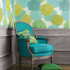 Savvy style indeed! Wallpaper. Love it!!