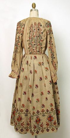 #Romanian Ensemble @Metropolitan Museum of Art  Date: 1800–1939   Culture: Romanian   Medium: linen, wool   Credit Line: Gift of Miss Irene Lewisohn and Alice Lewisohn Crowley, 1939