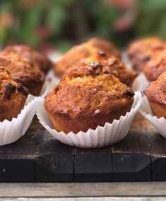 Muffin alle carote - Marco Bianchi Baby Food Recipes, Sweet Recipes, Vegan Recipes, Vegan Food, Plum Cake, Biscotti, Healthy Desserts, Fett, Sweet Tooth