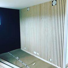 Flott spile vegg i boligen som kommer for salg snart, frisker opp tv kroken det.#spilevegg#drømmehuset #tilsalgs#modernebygg1as #modernestil