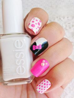 Nails. Minnie Mouse. Pink. Black. White. Bow. Spots.