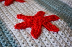 Charm Hour:  free crochet pattern for Chicago flag baby blanket