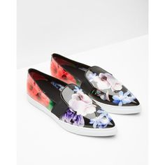 low priced 2bc19 1a884 PRINTED POINT CASUAL PUMP ( 120) ❤ liked on Polyvore featuring shoes,  pumps,. Svarta SkorModestilarSneakers