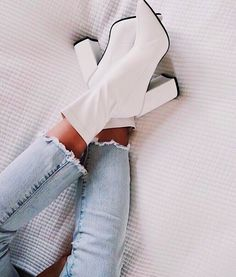 Shoes boots laarzen schoenen heels hakken blokhak white boots witte laarzen jeans spijkerbroek more on fashionchick 31 skinny jeanand ankle boot outfits that we always go back to Dr Shoes, Cute Shoes, Me Too Shoes, Aesthetic Shoes, White Boots, Heeled Boots, Shoes Heels Boots, Ankle Booties, Fashion Shoes
