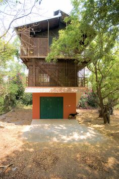 The Shipping Container & Timber Beach House, Srima, Auroville Sea Container Homes, Shipping Container Homes, Container Houses, Indian Architecture, Contemporary Architecture, 21st Century Homes, Desert Homes, Timber House, World Cities