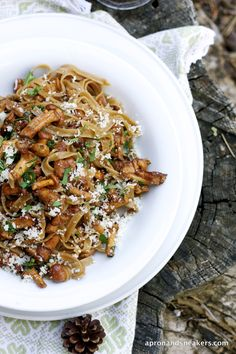 Truffle Taglietelle with Chanterell. Truffle Taglietelle with Chanterelle Mushrooms (Taglietelle al Tartufo con Finferli) and Dolomites Hiking Trails in Italy Chanterelle Mushroom Recipes, Mushrooms Recipes, Garlic Mushrooms, Mushroom Pasta, Pasta Recipes, Cooking Recipes, Easy Pasta Dishes, Rice Dishes, Mushrooms
