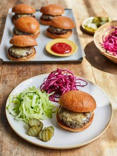 Buddy's BBQ burgers   Jamie Oliver recipes Minced Beef Recipes, Pickled Red Cabbage, Burger Buns, New Recipes, Summer Recipes, Cooking With Kids, Salmon Burgers, Bbq, Recipes