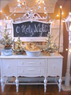 Aunt Ruthie's Very Merry Farmhouse Christmas Home Tour - I adore all of this