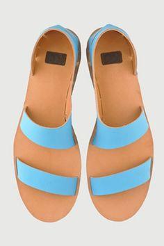 What Does A No-Glue, No-Seams Shoe Look LIke? #refinery29  http://www.refinery29.com/2013/07/50801/glue-free-shoes-anna-korshun#slide-5  ...