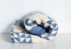 Vintage Blanketby BiederlackSleeping by thevintagetreehouse, $64.50