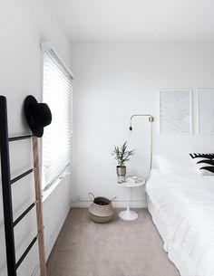 simple minimal bedroom-2-2