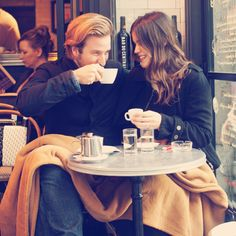 Splendid coffee shops with friends or loves.