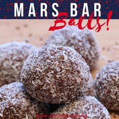 Remember that TV ad a Mars a day helps your work rest and play? Well I dont know how true that is, but what I do know is these Mars Bar Balls definitely put a smile on your face! Xmas Food, Christmas Cooking, Christmas Desserts, Christmas Treats, Christmas Biscuits, Balls Recipe, Confectionery, Tray Bakes, Sweet Recipes
