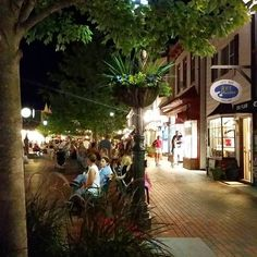 CAPE MAY PHOTO - Washington Street Mall, Cape May NJ
