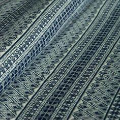 Das Muster ist zweifarbig: die Kette weiss, der Schussfaden dunkelblau, die   Jetzt im Online Shop DIDYMOS bestellen