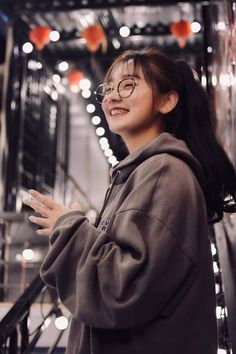 Cool Girl, Portrait Photography, Hot Girls, Raincoat, Bomber Jacket, Jackets, Shoo Shoo, Asian Models, Pictures