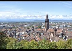 From upscale establishments, and medieval cellars to budget-friendly eateries, we explore the best restaurants in Freiburg. Nuremberg Castle, Cities In Germany, Beautiful Streets, Beer Garden, Best Cities, Day Trip, Old Town, Paris Skyline, The Good Place