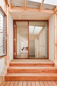 #Rad #Wood #Welcome. Clare Cousins Architects: Beach House - Mornington - Thisispaper Magazine