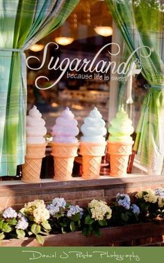 Sugarland Chapel Hill, North Carolina My favorite cupcake and gelato spot! Chapel Hill Nc, North Carolina Homes, Chapel Hill North Carolina, Small Town Girl, Shop Fronts, Asheville, Girls Shopping, Gelato, Signage