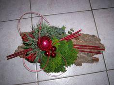 Kerststukje op schors