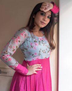Indian Long Dress, Indian Gowns Dresses, Indian Fashion Dresses, Dress Indian Style, Indian Skirt, Kurti Neck Designs, Kurta Designs Women, Kurti Designs Party Wear, Blouse Designs