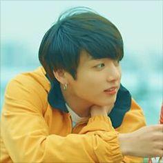 k-pop group : bangtan sonyeondan [bts] member : jungkook [jeon jeongguk]
