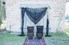 BACKDROP - Hochzeitsdeko- schwarz via TIPIYEAH. Click on the image to see more!