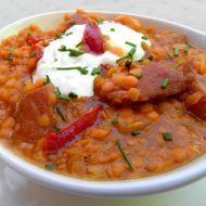 Fotografie receptu: Krémová červená čočka s uzeninou