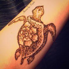 Cute turtle henna  Facebook.com/HennabyKayla